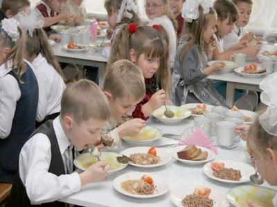 43 ребенка отравились влицее воФрунзенском районе Петербурга