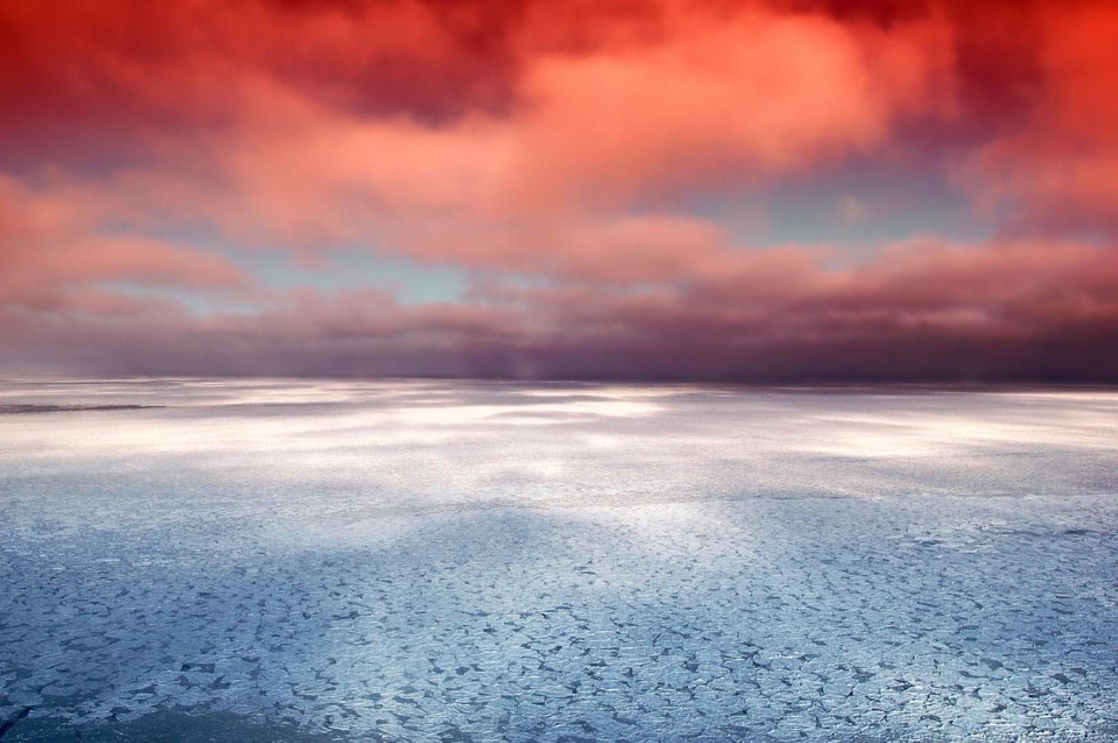 Один изрыбаков, провалившихся под лёд Ладоги, скончался доприбытия в поликлинику