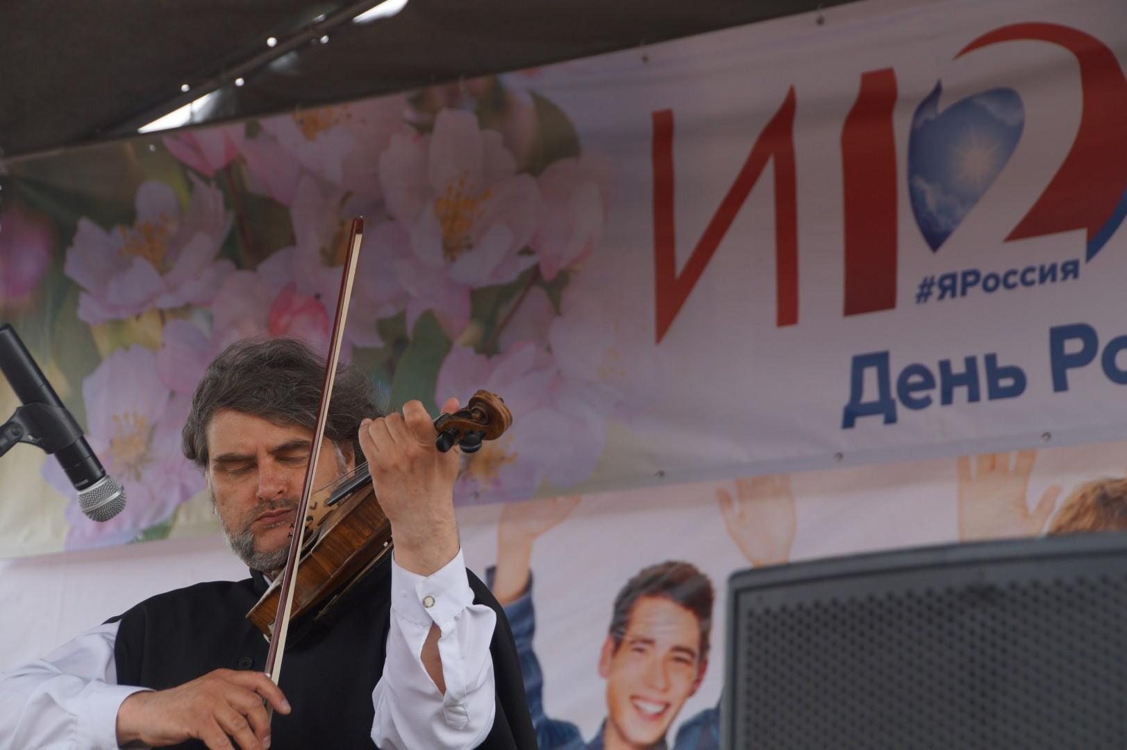 Альтист Илья Овчинников. Фото предоставлено В. Кузминицкой.