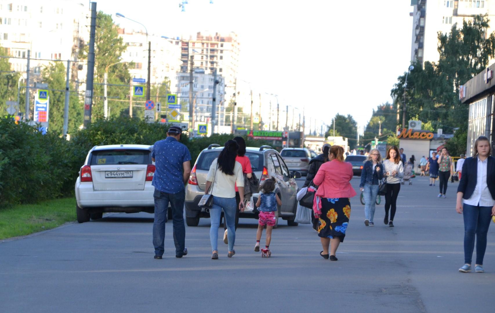 Опасный тротуар на Будапештской улице